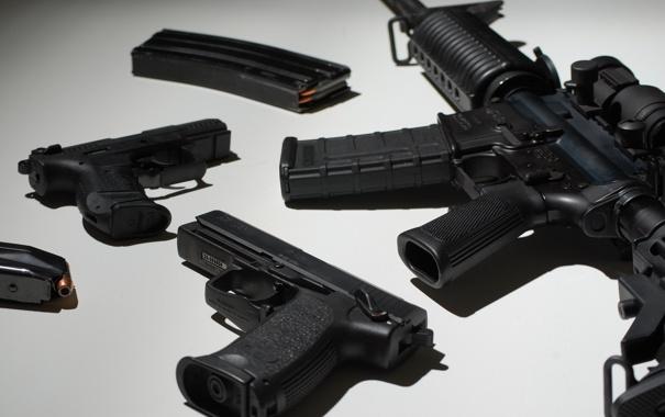 Фото обои штурмовая винтовка, пистолеты, обоими, оружие