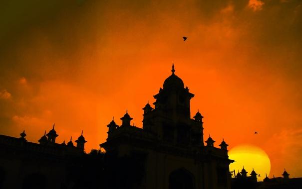Фото обои небо, солнце, облака, закат, замок, башня, силуэт