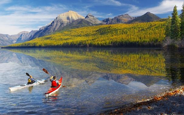 Фото обои река, люди, байдарки, отражение, горы, отдых, красота