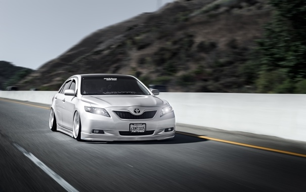 Фото обои дорога, скорость, серебристый, Toyota, седан, stance, Тойота