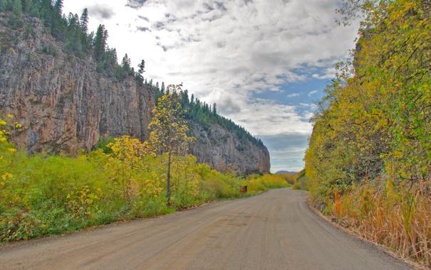 Фото обои дорога, осень, небо, облака, деревья, горы, скалы