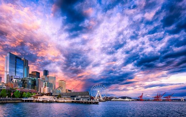 Фото обои море, небо, облака, дома, кран, порт, залив