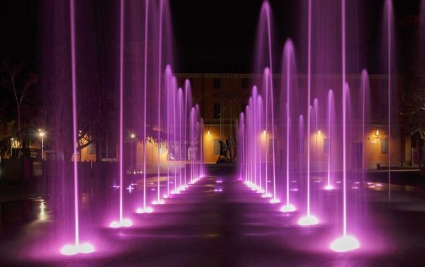 Фото обои ночь, огни, дома, Италия, фонтан, Эмилия-Романья, Реджо-нель-Эмилия