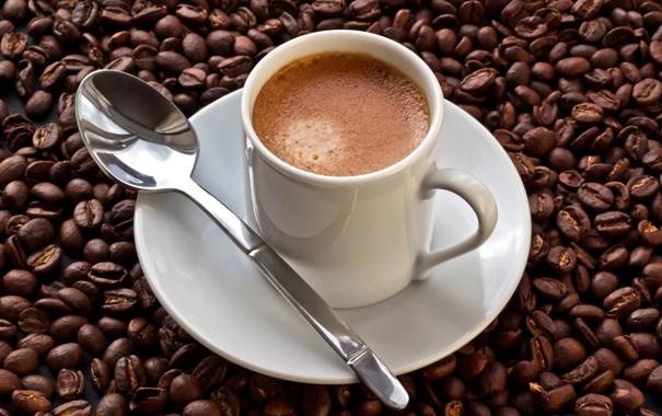 Фото обои пена, кофе, зерна, ложка, чашка, блюдце