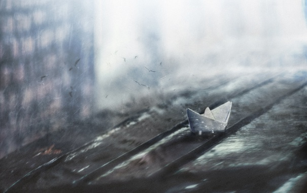 Фото обои птицы, царапины, бумажный кораблик