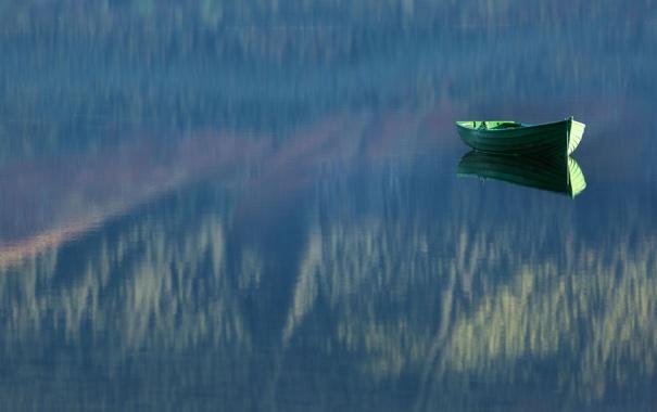 Фото обои отражение, лодка, озеро, туман