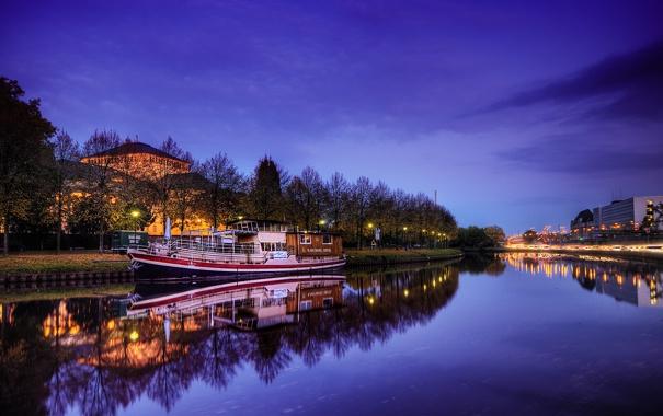 Фото обои осень, небо, город, огни, река, вечер, германия