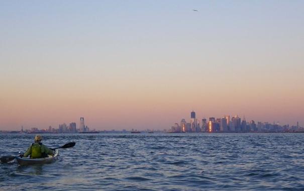 Фото обои океан, спортсмен, мегаполис, Jercey City and New York City