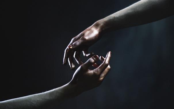 Фото обои фон, цвет, руки