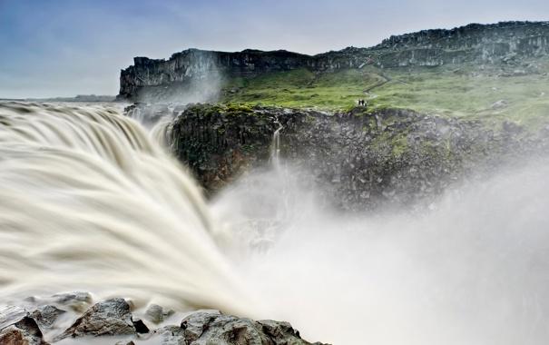 Фото обои небо, вода, брызги, скалы, водопад, поток, Исландия