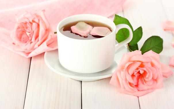 Фото обои цветы, чай, розы, лепестки, чашка, белая, розовые