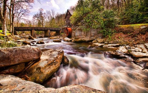 Фото обои лес, небо, деревья, мост, река, камни, мельница