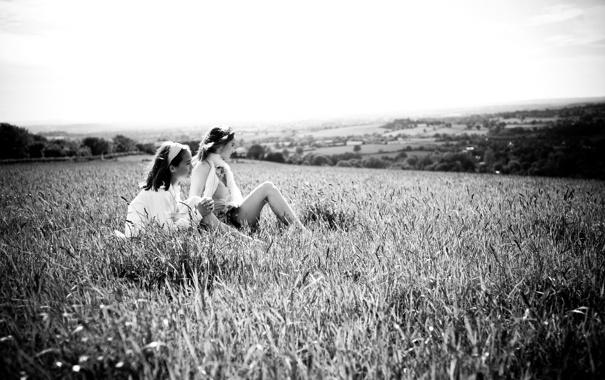 Фото обои поле, трава, природа, девушки, настроение, отдых, спокойствие