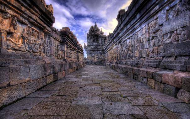 Фото обои облака, Камбоджа, небо, Ангко́р-Ват, angkor wat, храмовый комплекс, барельеф