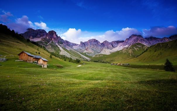 Фото обои горы, поле, дом, пейзаж, лето