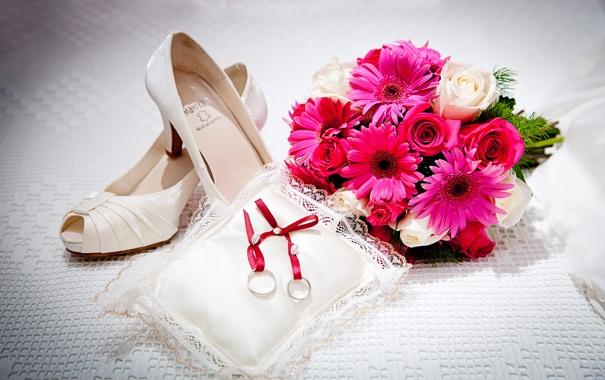 Фото обои цветы, туфли, подушечка, обручальные кольца