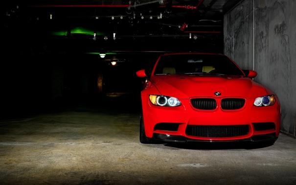 Фото обои красный, бмв, BMW, парковка, red, E92, передняя часть