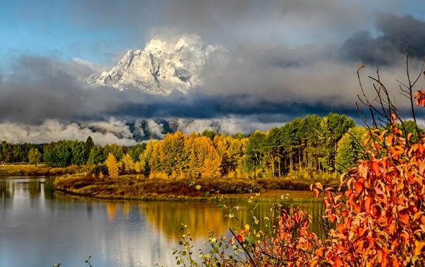 Фото обои осень, трава, листья, снег, деревья, горы, тучи