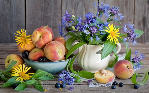 Фото обои цветы, черника, ваза, персики, flower, ежевика, vase