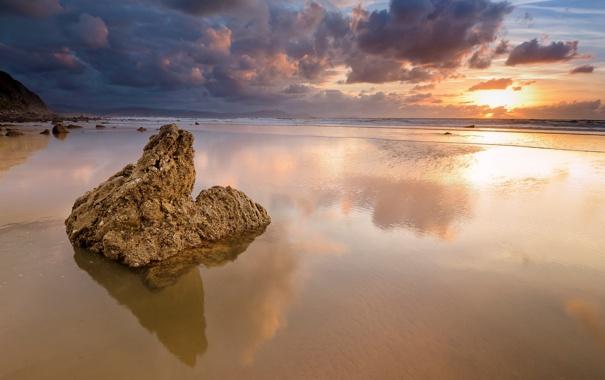 Фото обои песок, море, волны, небо, пейзаж, закат, природа