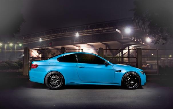Фото обои Авто, Ночь, Город, Забор, Деревья, BMW, Тюнинг