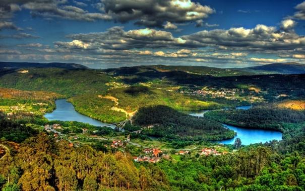 Фото обои леса, река, деревья, облака, природа, мост, деревня