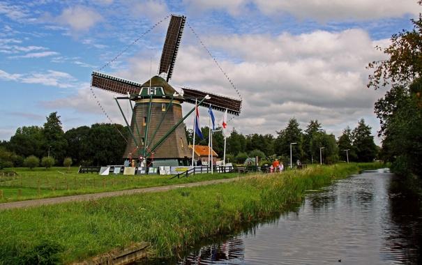 Фото обои небо, облака, деревья, люди, мельница, канал, nederland