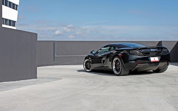 Фото обои чёрный, McLaren, тень, Макларен, парковка, black, MP4-12C