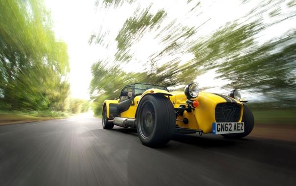 Фото обои Желтый, Машина, Скорость, Caterham, Supersport R, В Движение