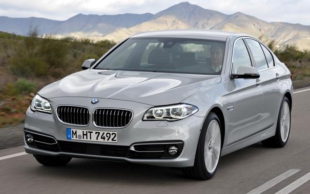 Фото обои дорога, машина, скорость, BMW, вид спереди, Sedan, 535i