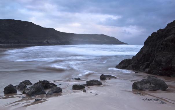 Фото обои пляж, тучи, камни, залив