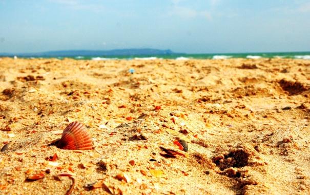 Фото обои песок, море, лето, небо, обломки, тепло, берег