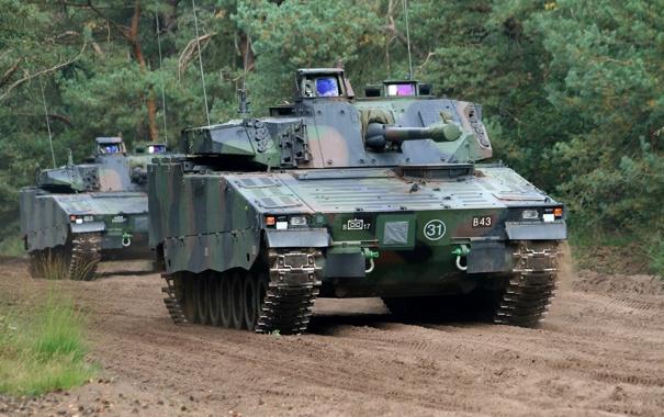 Фото обои дорога, машина, лес, боевая, пехоты, CV9035NL