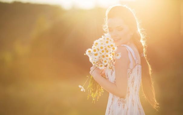 девушка ромашки фото