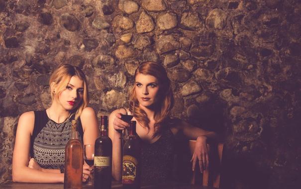 Фото обои фон, девушки, вино, бокал, ресторан, Andrea, Rachel