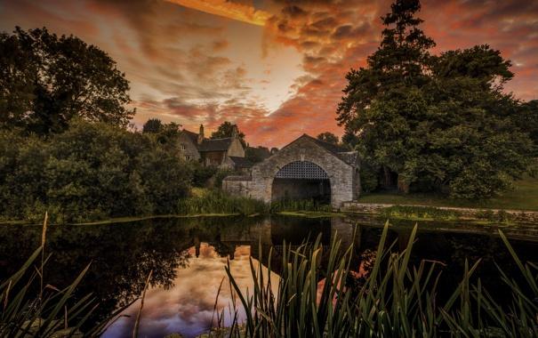 Фото обои небо, деревья, озеро, дом, отражение, куст, зеркало