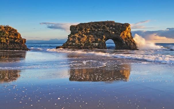 Фото обои море, волны, вода, брызги, птицы, камни, фото