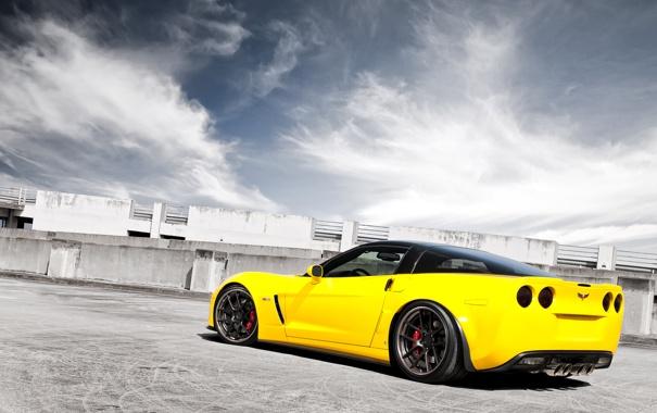 Фото обои небо, облака, жёлтый, Z06, Corvette, Chevrolet, шевроле