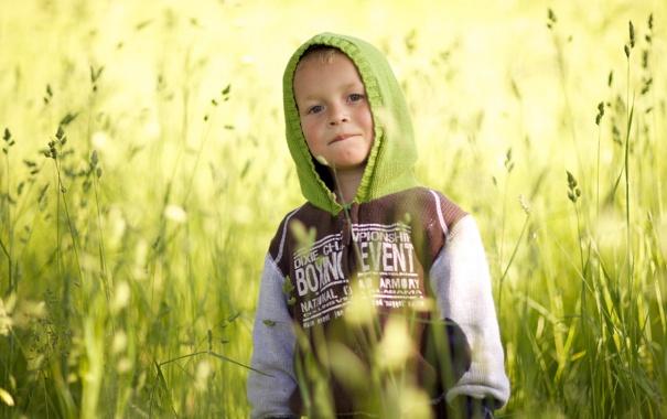 Фото обои поле, настроение, мальчик