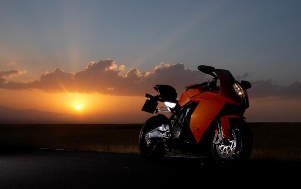 Фото обои облака, закат, мотоцикл, KTM, RC8, 1190