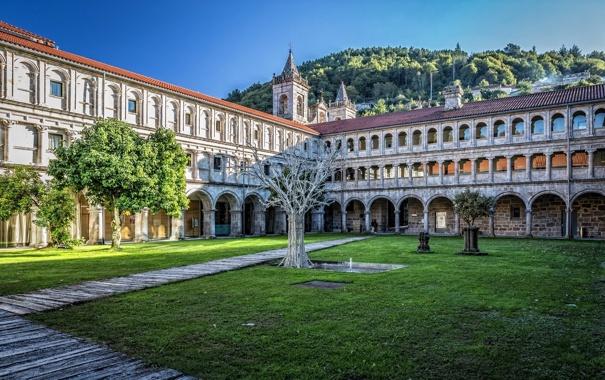 Фото обои здание, отель, Испания, дворик, Spain, Parador de Santo Estevo, Ourense