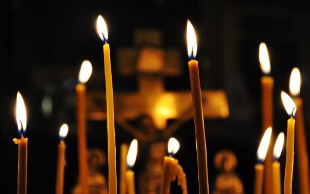 Фото обои огонь, распятие, Свечи, церковь, воск, свет, собор