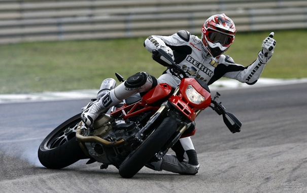 Фото обои поворот, занос, вираж, мотоцикл, байк, Ducati, bike