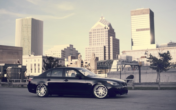 Фото обои город, чёрный, бмв, BMW, black, мегаполис, E60