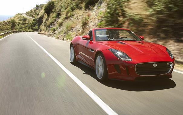 Фото обои красный, движение, ягуар, кабриолет, вид спереди, jaguar, равнины