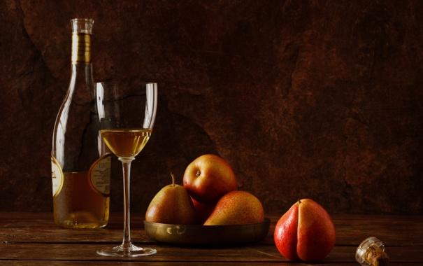 Фото обои бокал, бутылка, груши, белое вино