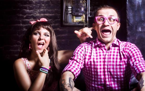 Фото обои девушка, настроение, тату, рубашка, парень, COSMOSTARS, T-SHIRT