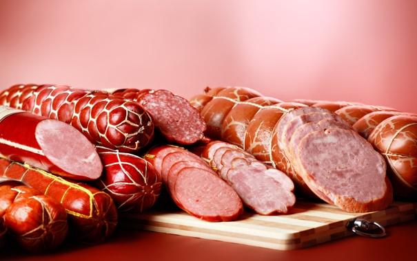Фото обои разрез, мясо, много, колбаса, вкусная, на столе, нарезка
