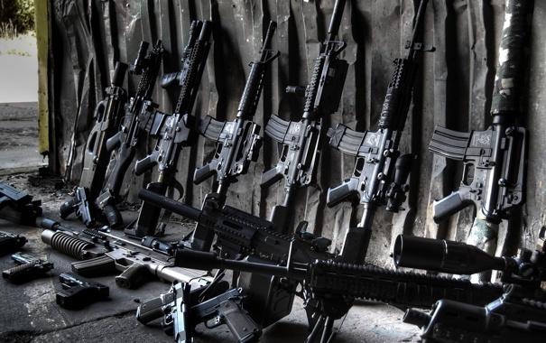 Фото обои оружие, пистолеты, гараж, винтовки, автоматы, штурмовые