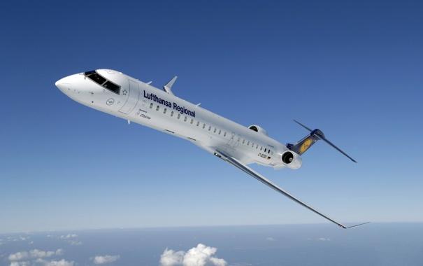 Фото обои Самолет, Крылья, Авиация, Lufthansa, Bombardier, В Воздухе, Авиалайнер